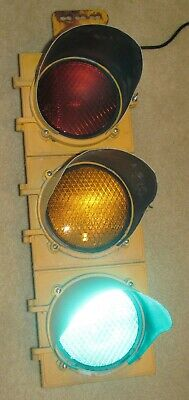 "8"" Aluminum 3 section LED Automatic Signal Traffic Light with Sequencer (B)"