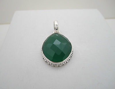 Hallmarked 925 Silver Green Onyx Hand Crafted Pendant Ref: P043