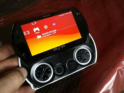 SONY PSP GO Launch Edition 16GB Piano Black Handheld System