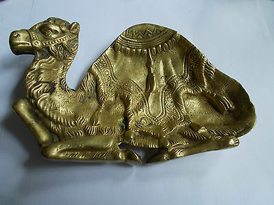 VINTAGE CAMEL BRASS PIN TRAY /DESK TIDY/PAPERWEIGHT ref(32)