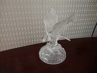 Vintage Glass Eagle in Flight Ornament Figurine Bird D'Arques