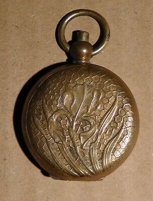 Pretty art nouveau c.1890s French rouge compact in copper alloy