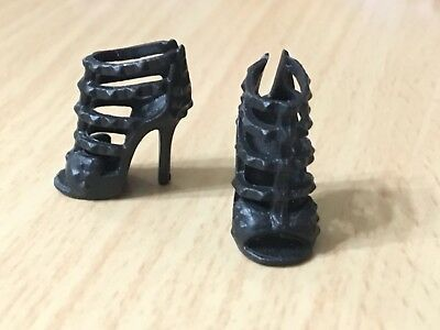 2018 Barbie Doll Fashionistas #91 White High HEEL Shoes with ball on top New