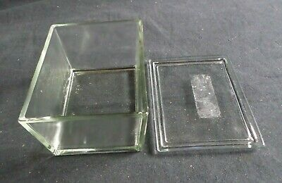 "Wheaton 30-Slide Glass Staining Dish w/ Lid, 5"" x 3 7/8"" x 3 1/8"", 900303"