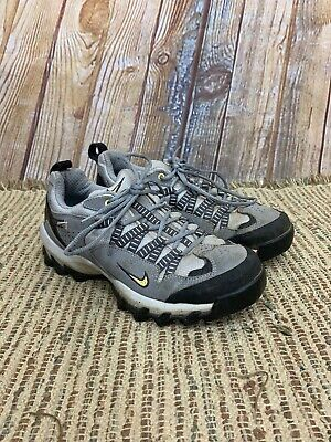 purchase cheap 611f6 4a7eb Nike Sample ACG Womens Gray Vintage Hiking Shoes Size US 7