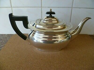 AN ANTIQUE REGENCY STYLE 'ALPHA PLATE' TEA POT WITH BAKELITE HANDLE. By 'VINERS'