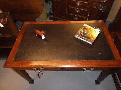 An Edwardian Mahogany Two Drawer Library Table / Desk