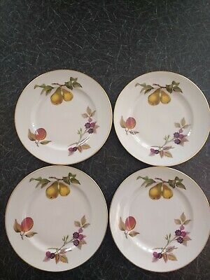 4 Royal Worcester Evesham Pattern Plates approx 8 inches/21 cms  in diameter