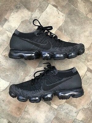 Rare Nike Air Vapormax Flyknit Triple Black 849558-007 Size 9 Great Condition