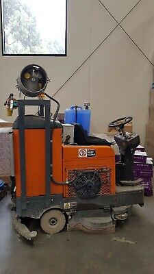 Auto Scrubber- Gas Powered