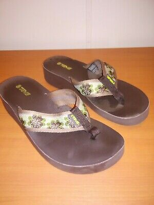 2875bb549837 TEVA 6139 Womens Thong Flip Flop Sandals Wedge Heel Brown Floral Size 8