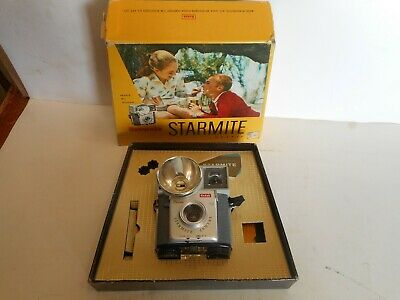 Vintage 1960-1963 Kodak Brownie Starmite Camera in Original Box