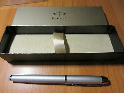 Parker Pen IM Silver with Chrome Trim Fountain Pen shelf clearance with box