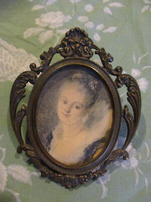 Pretty Vintage French Gilt Picture Photo Frame.5 ¼ inches high
