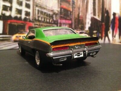 Revell 69  Camaro SS nicely done  charcoal graphite  metallic  & Green metallic