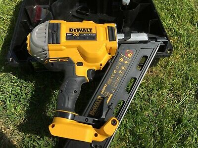 DEWALT DCN692 Cordless Framing Nail Gun First Fix