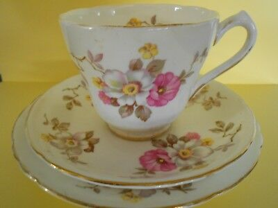 Vintage New Chelsea English Bone China Tea Set Trio Cup Saucer Side Plate