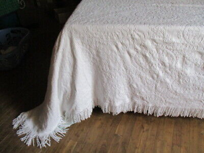 Vintage French Large Bedcover Throw Textured Design, Marcella style Fringed