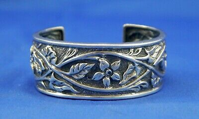 Silpada Sterling Silver Floral Repousse Cuff Bracelet Vines Daffodils Narcissus