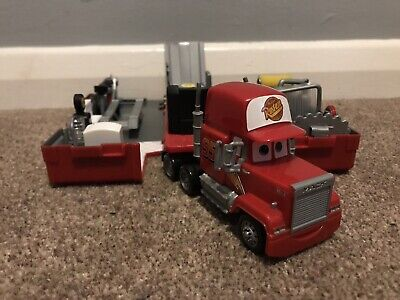 Disney Pixar Cars Mack - Lightning McQueen's Bachelor Pad - Great Condition
