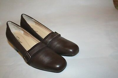 9abd9cab7ad85 Trotters Womens Flats Brown Leather Loafer Pumps 1.5