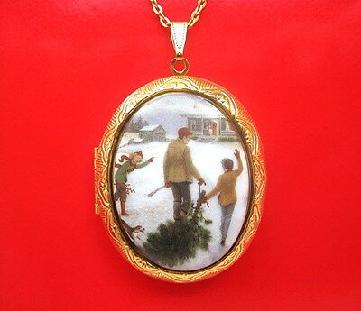 Porcelain Dad & Children & Mom with CHRISTMAS TREE CAMEO Locket Pendant Necklace