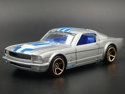 1965 Ford Mustang Fastback 2+2 Rare 1:64