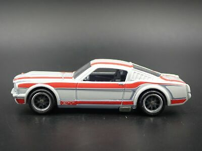 1965 Ford Mustang 2+2 Fastback Rare 1:64