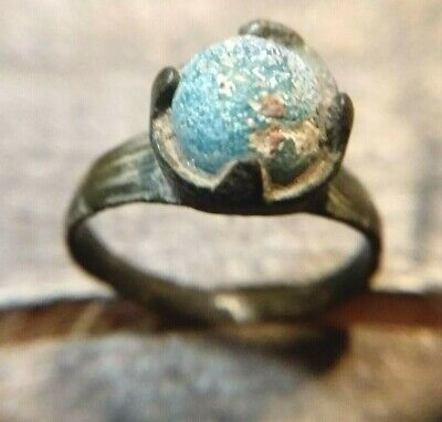 ANCIENT ROMAN BRONZE (AE) RING with BLUE/GREEN GLASS STONE. 1st-3rd C AD (#526)