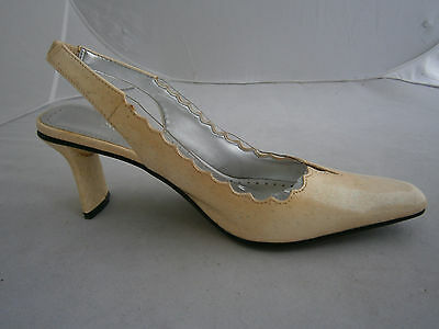 972ba15db3 Statues Size 7.5 W Wide Shoes Tan Silver Shiny Clear Acrylic With Scallop  Edge