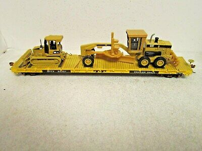 ROUNDHOUSE HO Scale Custom Flat Car W/ CAT LOAD RN# MTTX 98051