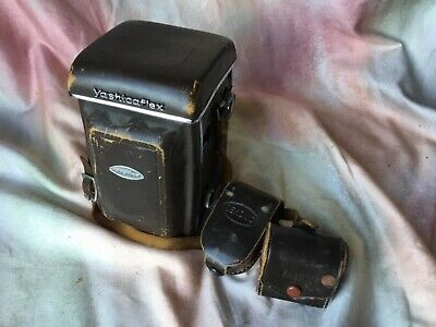 Yashica 635 twin lens  120 Film size  camera with case meter and lens hood