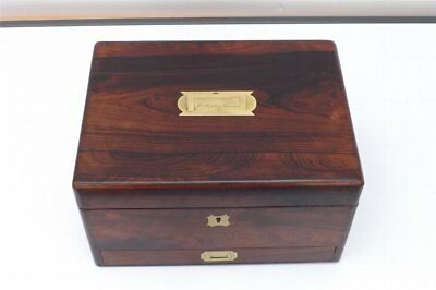 Box in rosewood containing ladies vanity items stunning item of quality. B37