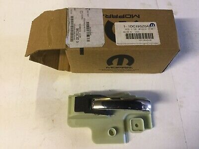 Jeep Patriot/ Compass Left Hand Inner Door Handle. Pt No 1DC19SZ0AB