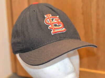 85042fed28097 Vtg St Louis Cardinals Blue Fitted Hat Size 7 MLB Diamond New Era Cap Made  USA