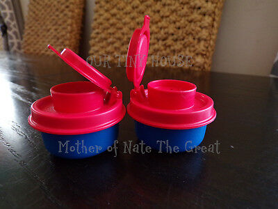 TUPPERWARE SMIDGET SALT AND PEPPER SHAKER SET Spice Small Mini RED BLUE Smidgets