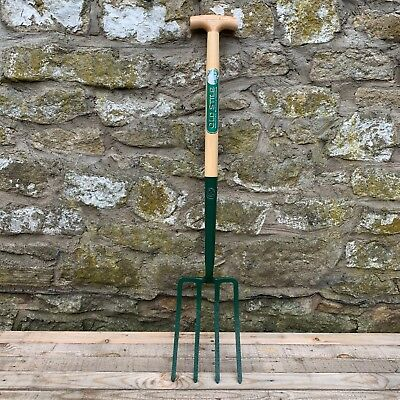 Richard Carters Solid Socket Ash T Handle Garden Digging Fork