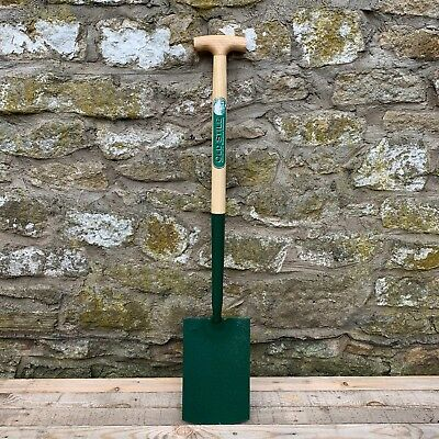 Richard Carters Solid Socket Ash T Garden Digging Spade