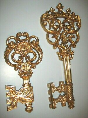 vintage Syroco large skeleton key decor 3661-B&C ornate lion scroll wall hanging