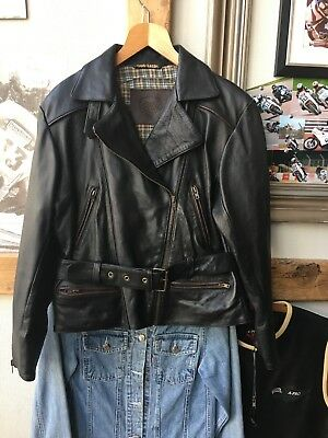 A Stunning Ladies Frank Thomas Club Classic Leather Motorcycle Biker Jacket. 16