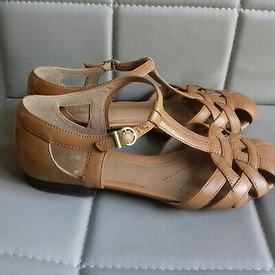 f7a148eb6 Clarks Ladies Artisan Tan Soft Leather Sandals - Size 5 Wide - Good  Condition -