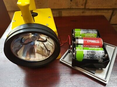 Battery Kit For Bardic Lamps Can Use 3 X D Cells Or Re Chargeable Batteries.