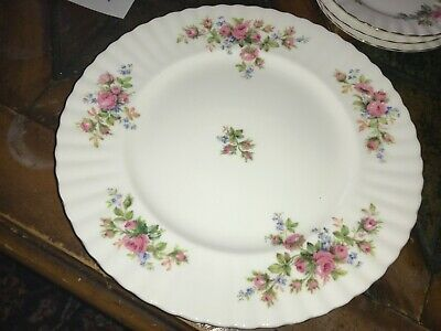 5 Piece Place Setting Royal Albert Bone China Moss Rose