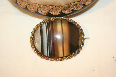 Victorian banded agate pinchbeck brooch