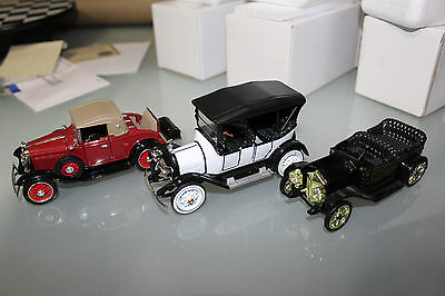 National Motor Musem Mint 1:32 Scale HISTORY OF CHEVROLET (3-CAR PACK)