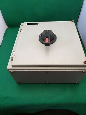 GEC Heavy Duty Metal 3 Phase Changeover Switch  3 Pole 40A