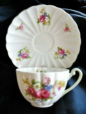 Shelley Rose and Red Daisy Teacup and Saucer  LUDLOW  nearest MINT   HTF