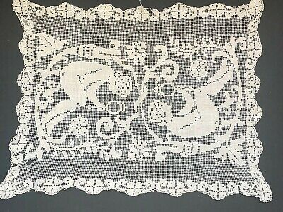 Antique NET FILET Lace Table RUNNER Vintage *WOW Ladies Mirror Cream Scallops