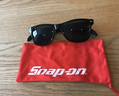 Snap On Tools Black Sunglasses in Cloth Case with Bottle Opener Arms Brand New