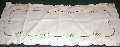 1950s Vintage Hand Embroidered Cut Work  Madeira Table Runner 14.5 x 33.5 #1